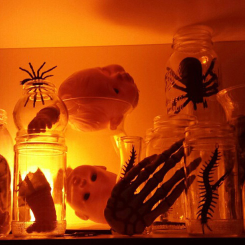 Easy halloween decoration jars full of doll parts and bugs manning makes stuff - Deco hal halloween ...