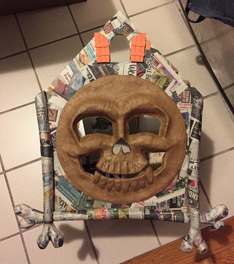 Cuckoo clock skull mask - first glance at the big pieces assembled