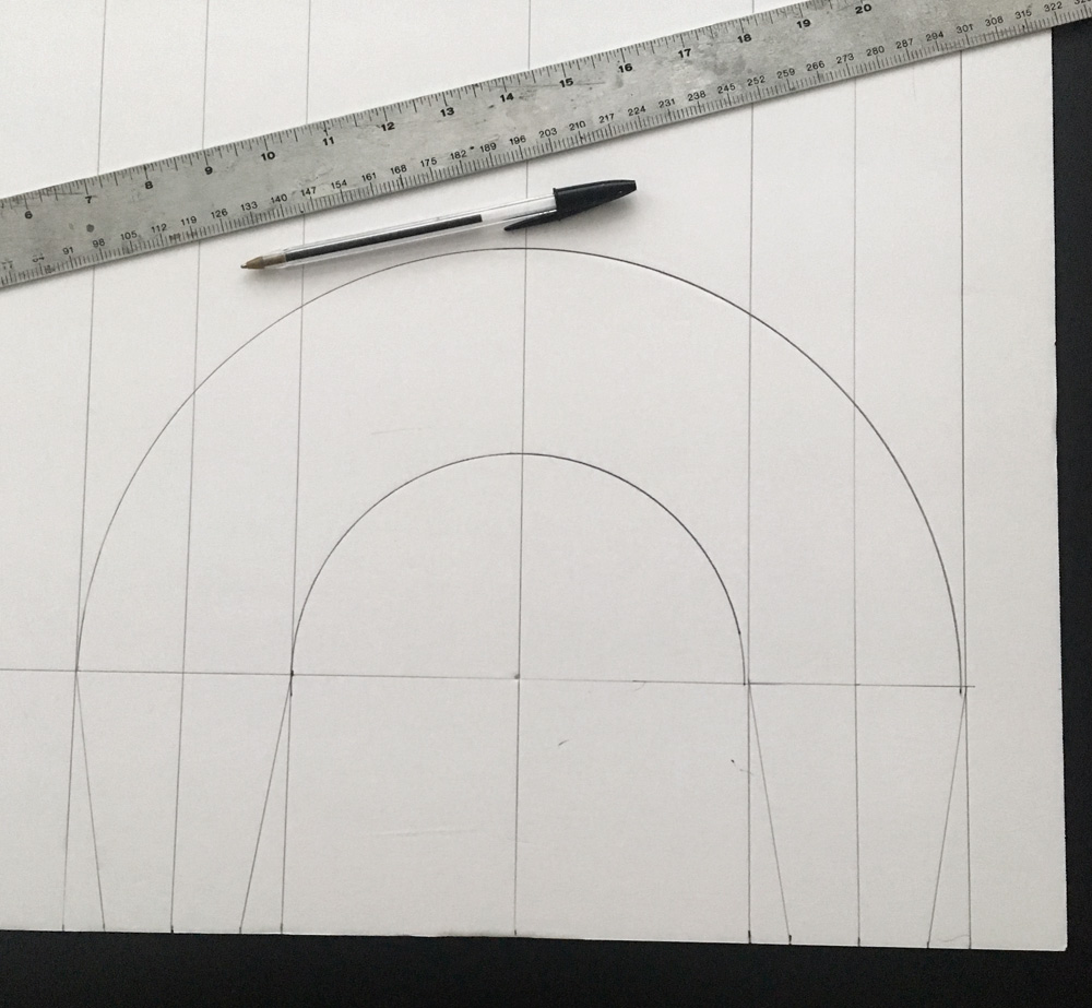 Giant candy cane decorations - drawing the curve on foam board