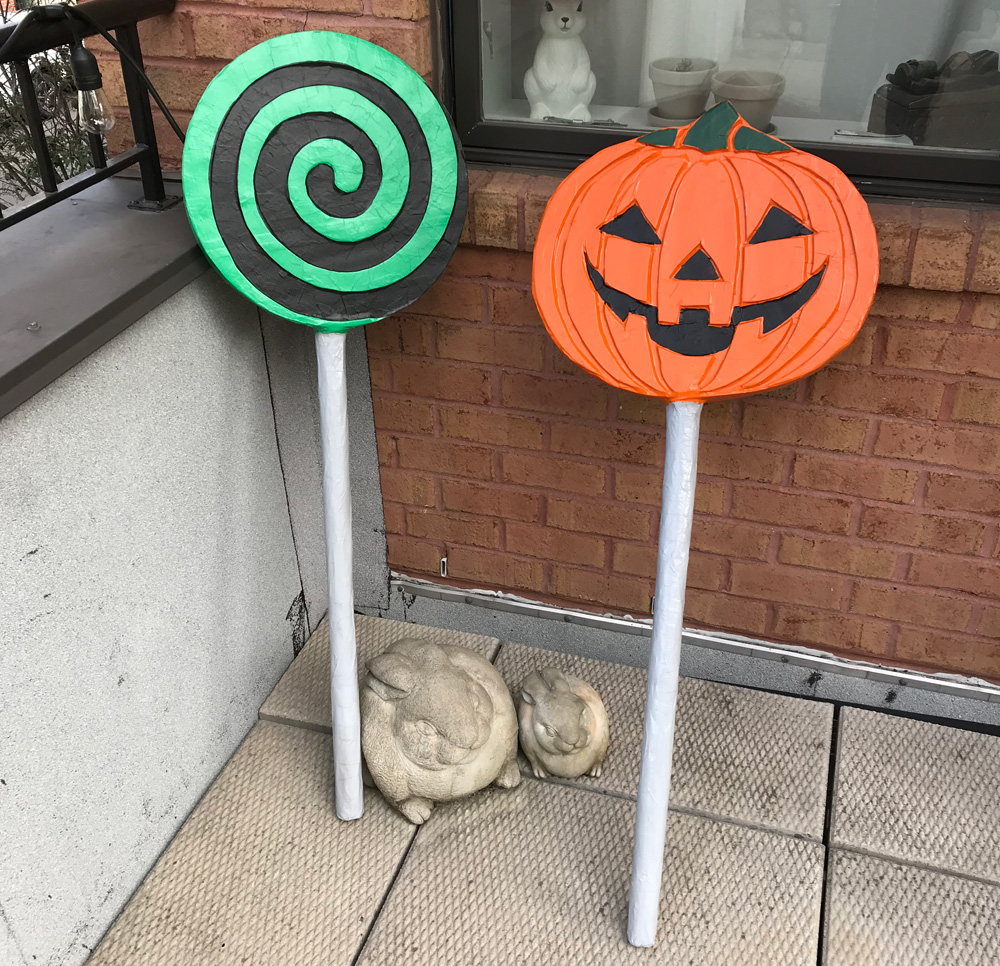Paper mache Halloween lollipop decorations - finished